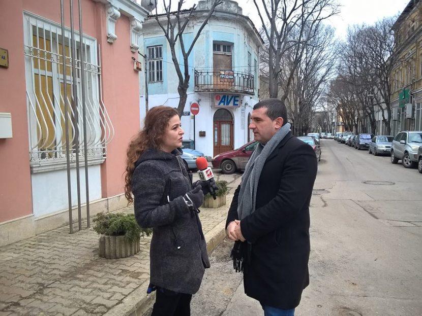 """Кметът на Девня настоява станцията за мониторинг на въздуха да бъде преместена в квартал """"Повеляново"""""""