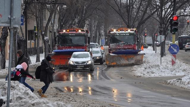 Основните булеварди във Варна са почистени от снега (снимки)