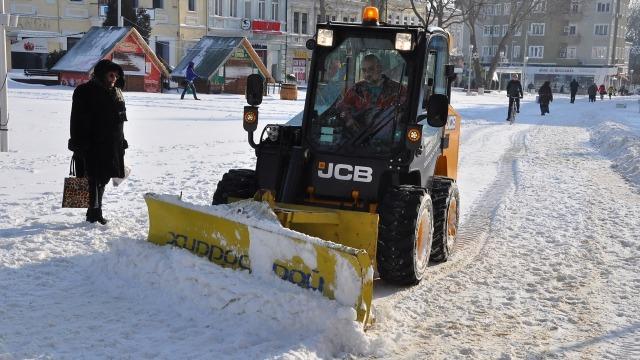 """В """"Одесос"""" продължава да се работи по пешеходните зони"""