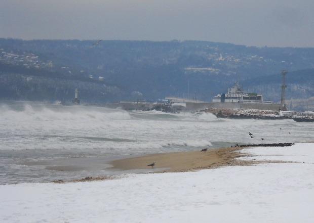 Температурите във Варна в събота падат до минус……………