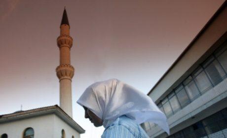 Забраняват тонколоните на джамиите и религиозната агитация по варненските улици