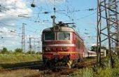 Пътници от влак за Варна били изоставени на релсите без друг транспорт