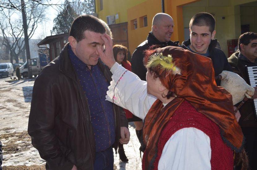С изпълнение на автентичен ритуал в село Падина почетоха народния празник Петльовден