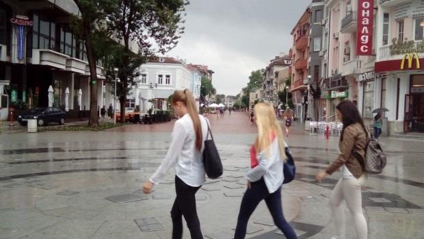 Ще измият центъра на Варна при затопляне на времето