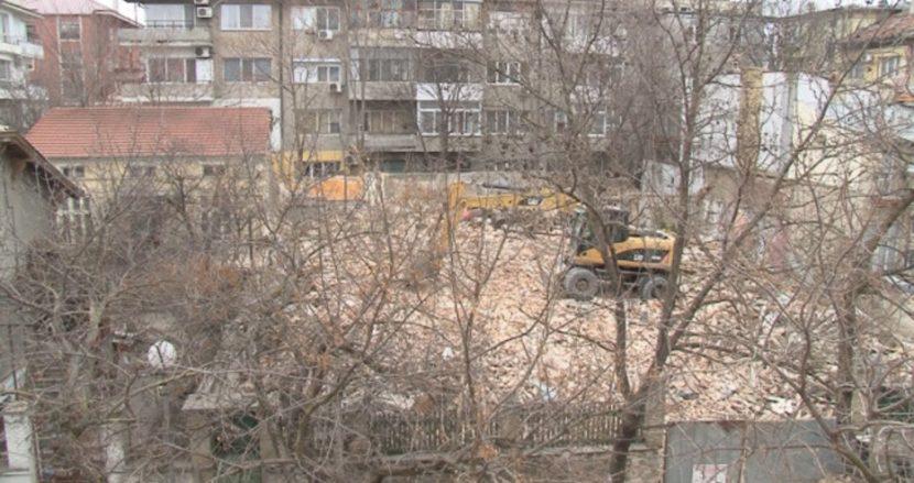 БТВ: Исторически сгради се събарят безразборно във Варна, държавата бездейства