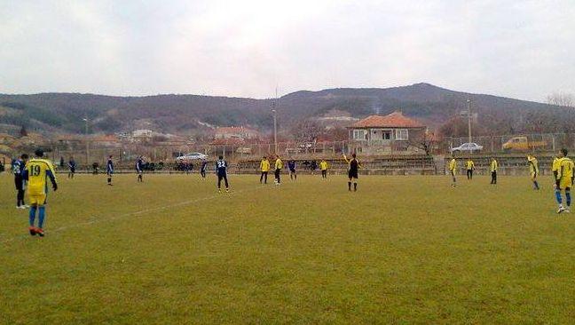 """""""Девня"""" гони победа срещу """"Бозвелийско"""""""