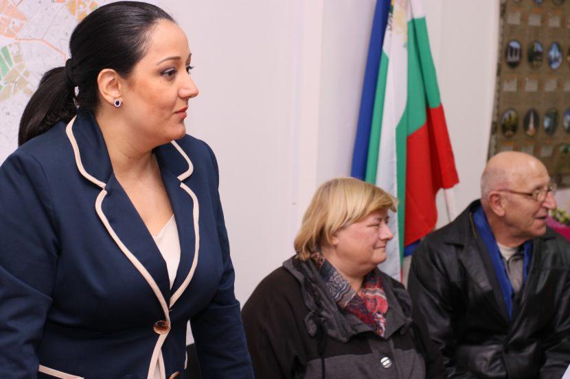 Лиляна Павлова: Инвитро процедурите трябва да са финансово обезпечени от държавата