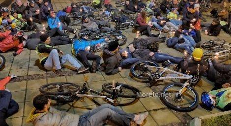 Варненски велосипедисти протестираха (снимки)