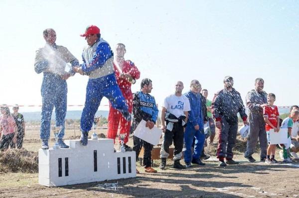 Мотоманиаци обмениха опит на пистата в Девня (видео)