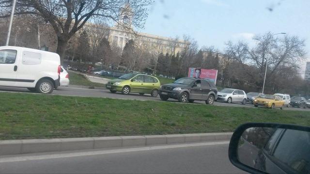 """Лека катастрофа предизвика огромни задръствания по бул. """"Княз Борис I"""""""