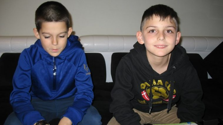Дечица от Варна намериха GSM и го върнаха на неговия притежател