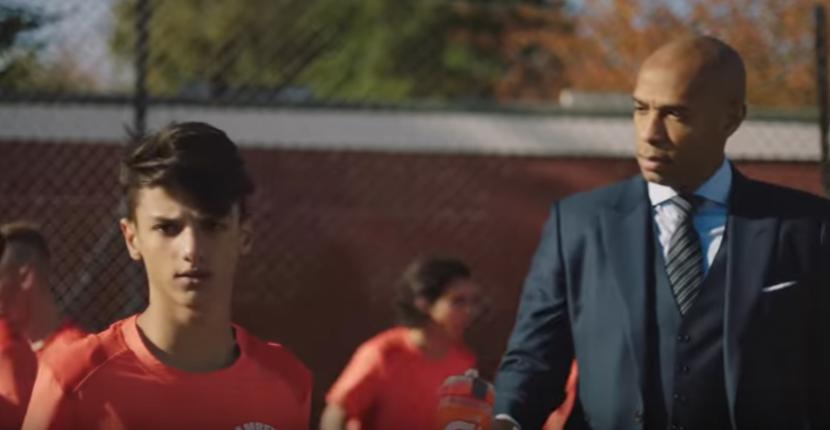 17 годишен варненец блести в реклама с Меси, Анри и Санчес (видео)