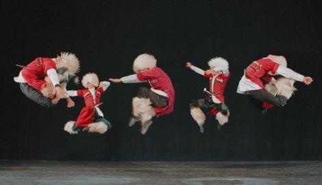 Летящите грузинци пристигат във Варна в състав от 70 танцьори с 600 автентични костюми