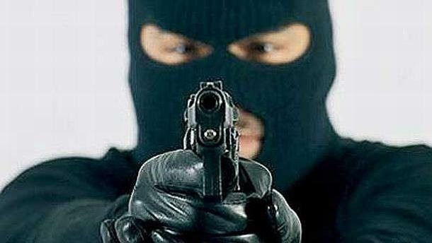"""Въоръжен се опита да обере пощата във """"Владиславово"""""""