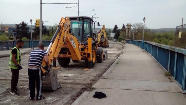 Вижте утре в колко часа започва ремонта на Аспарухов мост