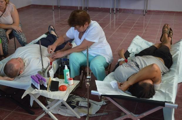 Над 300 души дариха кръв за Дани, акцията е прекратена