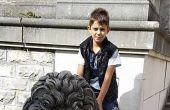 14-годишният Дани, който пострада тежко от волтова дъга, вече каза първи думи