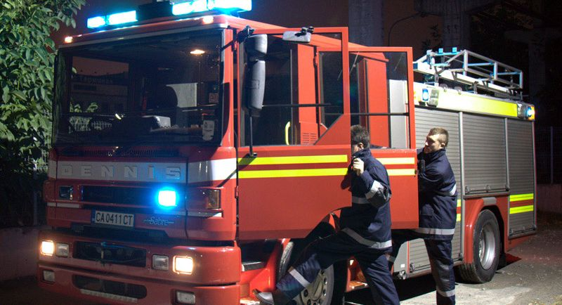 Барака изгоря при пожар край Варна