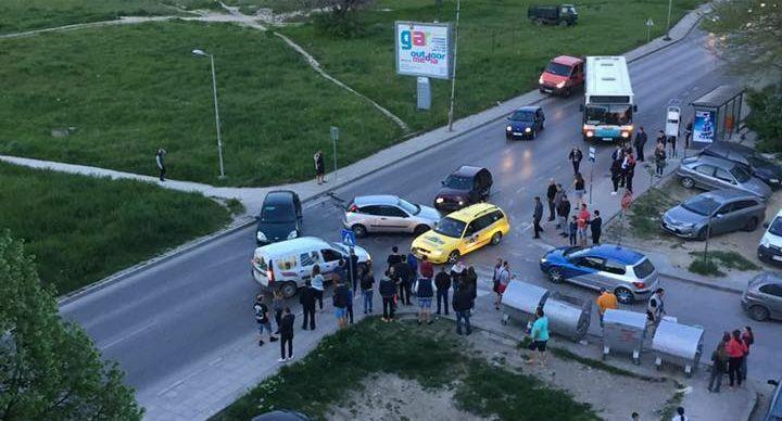 Катастрофа блокира цял булевард