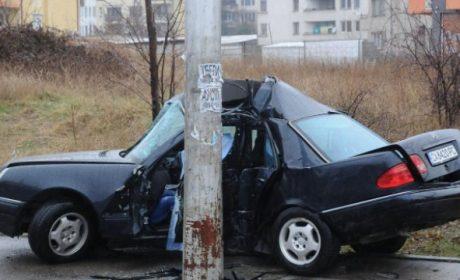 """Пътничка е с фрактура на черепа след катастрофа на бул. """"Трети март"""""""