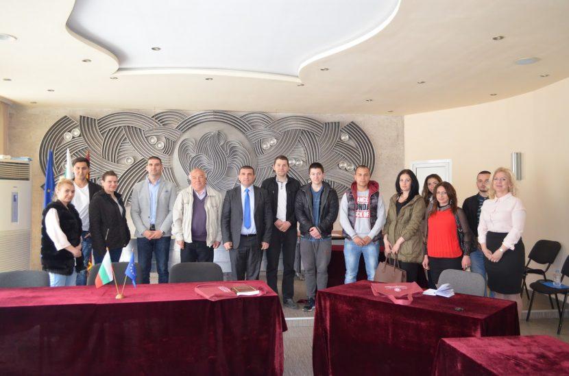 Кметът на Девня сподели своя управленски опит пред студенти от ИУ-Варна