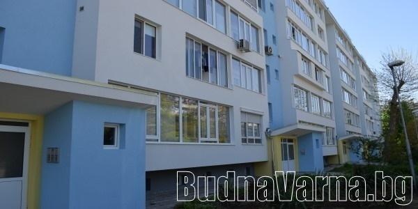 Първият саниран жилищен блок във Варна (видео)
