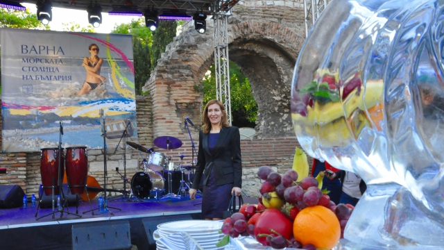 България ще е сред топ 5 на туристическите дестинации в Югоизточна Европа обеща Николина Ангелкова във Варна