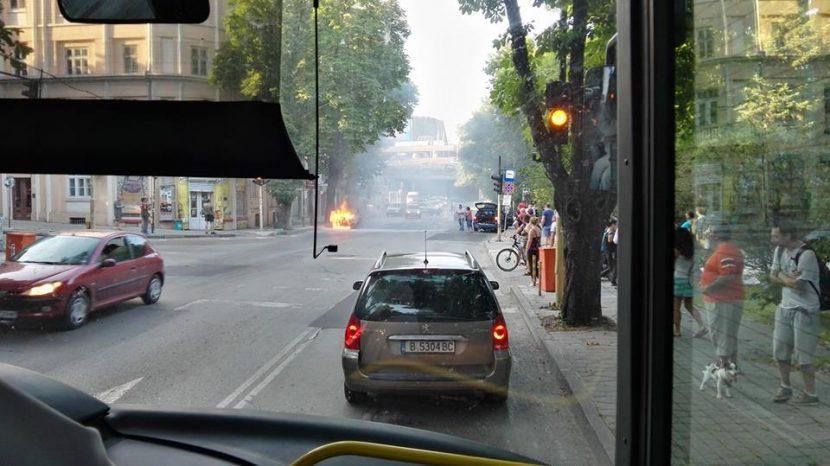 Кола изгоря като факла ФКЦ (снимки)