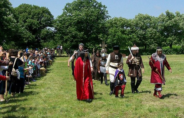 """Ежегодният събор-фестивал """"Дни на предците"""" започна в Плиска"""