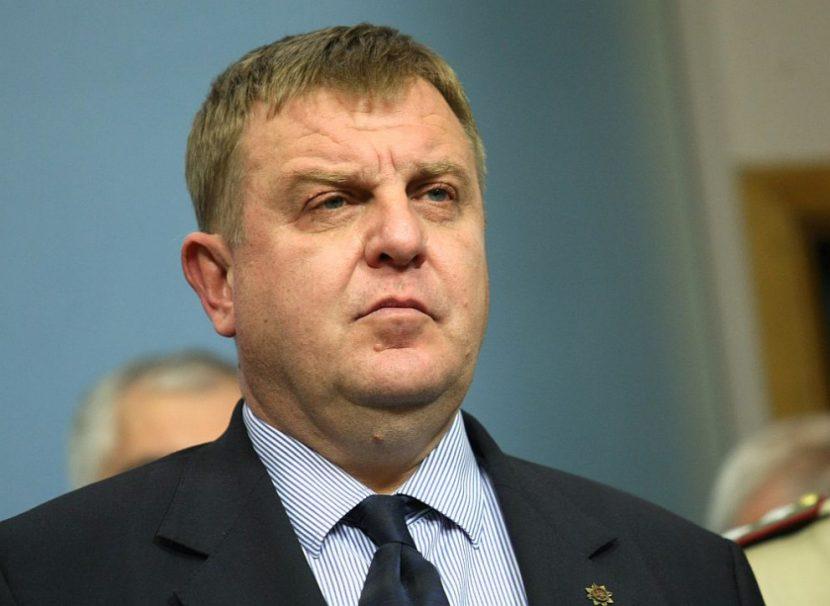 Каракачанов награждава спасителите на пилотите от падналия вертолет