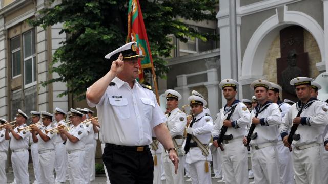 Опит в справянето с емигрантския натиск по море обсъждат нашите и полските ВМС