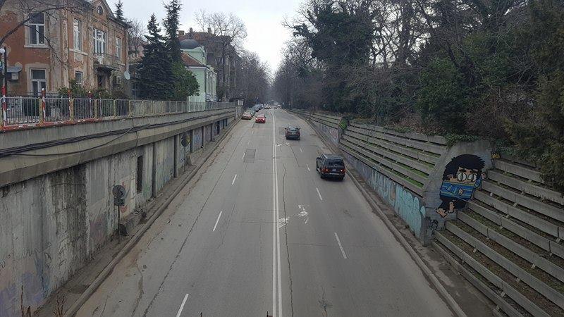 Подменят осветлението на автоподлеза до ФКЦ
