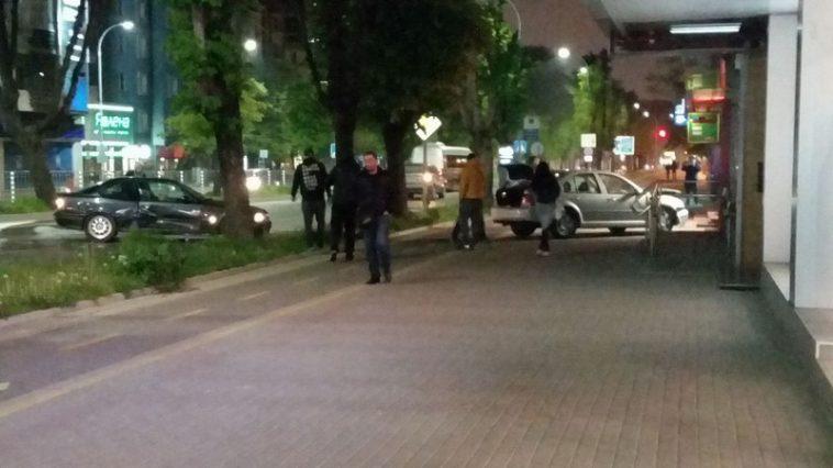 Екшън във Варна! Гониха надрусан шофьор без книжка, заредил гориво и избягал
