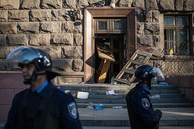 Мъж се опита да взриви банка във Варна