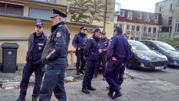 Цигари за над 33 000 лева бяха заловени при спецакция във Варна
