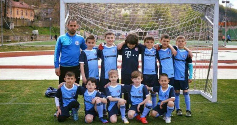 """Вече 3-та година ДФК """"Шампиони"""" обучава децата на Варна на футбол"""