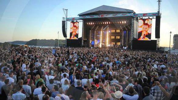 Днес музикалният свят ще впери поглед във Варна! Започва шоуто на MTV!
