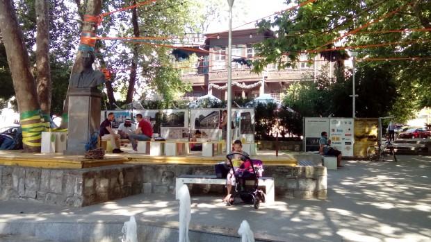 """Дискусия, част от пленера """"Хвани се в Таляна"""", събира архитекти във Варна"""