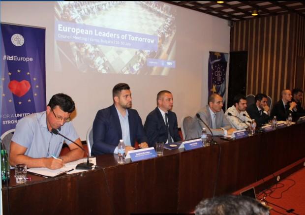 Цветан Цветанов във Варна: ГЕРБ стимулира участието на младите хора в управлението