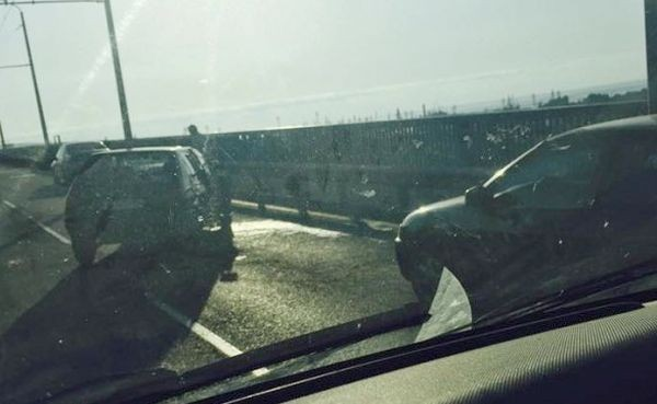 Катастрофа затрудни движението по Аспарухов мост
