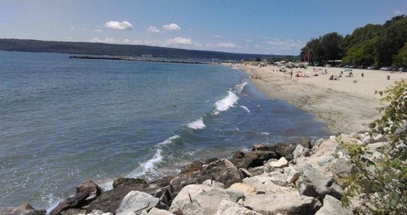 Вече има спасители на 17 неохраняеми плажа край Варна
