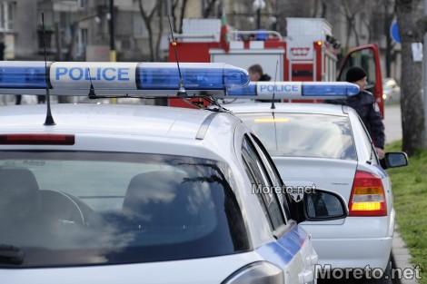 Шофьор излетя от пътя край Варна и се заби в рекламна табела