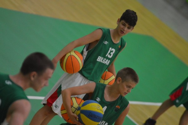 Трима таланти от Черно море дебютират за националния отбор
