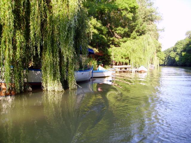 Претоварват лодките за разходки по Камчия заради бързи печалби