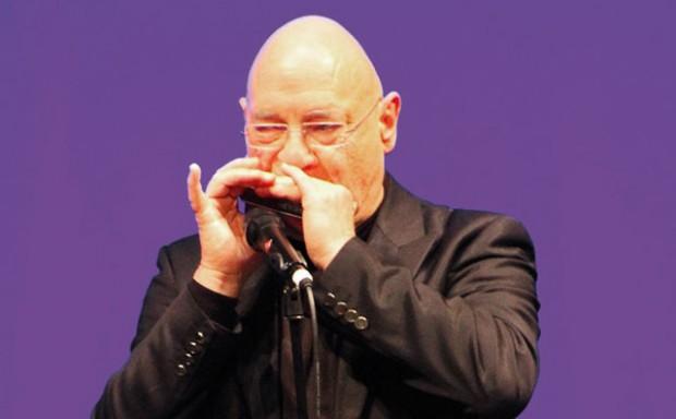 Виртуозът на хармониката Рене Гизен ще свири пред варненска публика