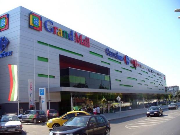 Крадла реши да се премени без пари във варненски мол