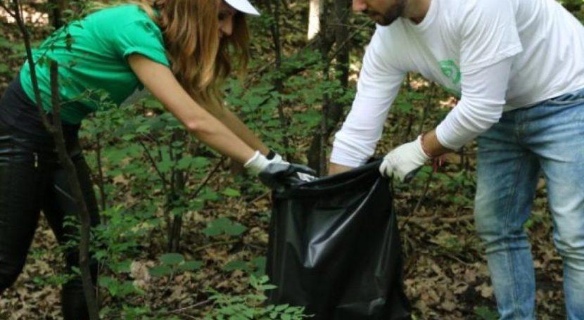 """Цял тон отпадъци събраха девненци в рамките на кампанията """"Да изчистим България заедно"""""""