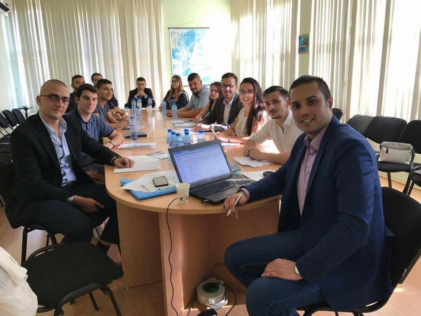 """Студенти, докторанти и млади политолози от цяла България учредиха """"Младежка асоциация по политически науки"""" във Варна"""