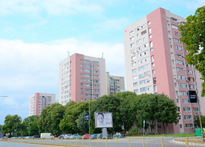 """Три 14-етажни блока в кв. """"Трошево"""" са санирани"""