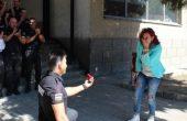 Вълнуващо вричане: Жандармерист поиска ръката на приятелката си, минути след като положи клетва